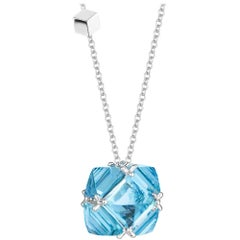 18 Karat White Gold Blue Topaz 17.83 Carat Very PC Pendant Necklace, Grande