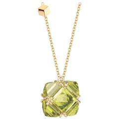 18 Karat Yellow Gold Peridot 14.61 Carat Very PC Pendant Necklace, Grande