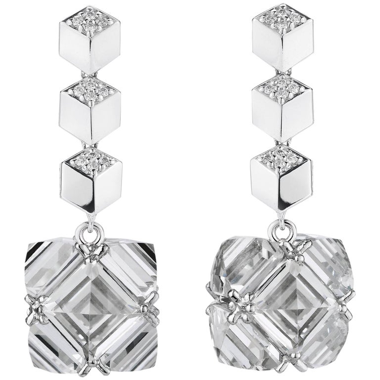 18 Karat White Gold Diamond Brillante and White Topaz Very PC Earrings, Grande
