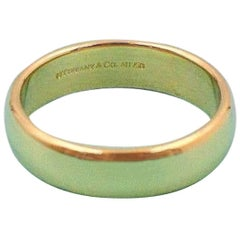 Tiffany & Co. Classic Wedding Band Ring in 18 Karat Yellow Gold