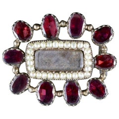 Antique Georgian Mourning Brooch Flat Cut Garnet Pearl 18 Carat Gold, circa 1800