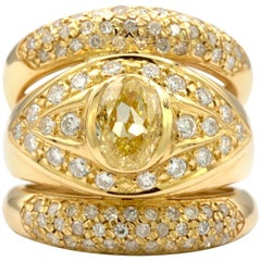 1.21 Carat Natural Fancy Intense Yellow Internally Flawless in a 18 Karat Ring