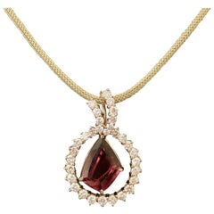 18 Karat Yellow Gold Fancy Shaped Tourmaline and Diamond Free-Form Necklace