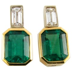 18 Karat Yellow Gold Earrings with Emeralds