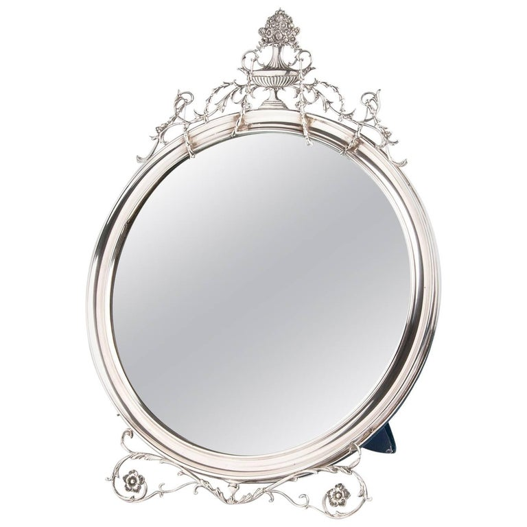 Sterling Silver '925‰' Mirror Frame, William Comyns & Sons, London, 1910-1911