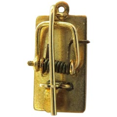 Vintage Working Movable Gold Mousetrap Charm Pendant