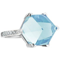 18 Karat White Gold Blue Topaz 6.16 Carat Brillante Valentina Ring