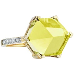 18 Karat Yellow Gold Lemon Citrine 6.95 Carat Brillante Valentina Ring