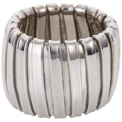 18 Karat White Gold Expandable and Flexible Band Ring