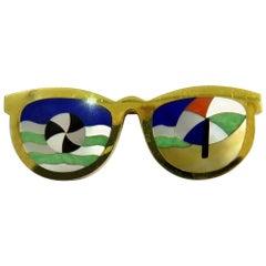 Phenomenal Multi Hard Stone Sunglasses Reflecting Beach Scene Gold Pin Brooch