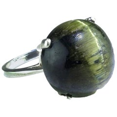 Green Cat's Eye Cabochon in Sterling Silver Ring