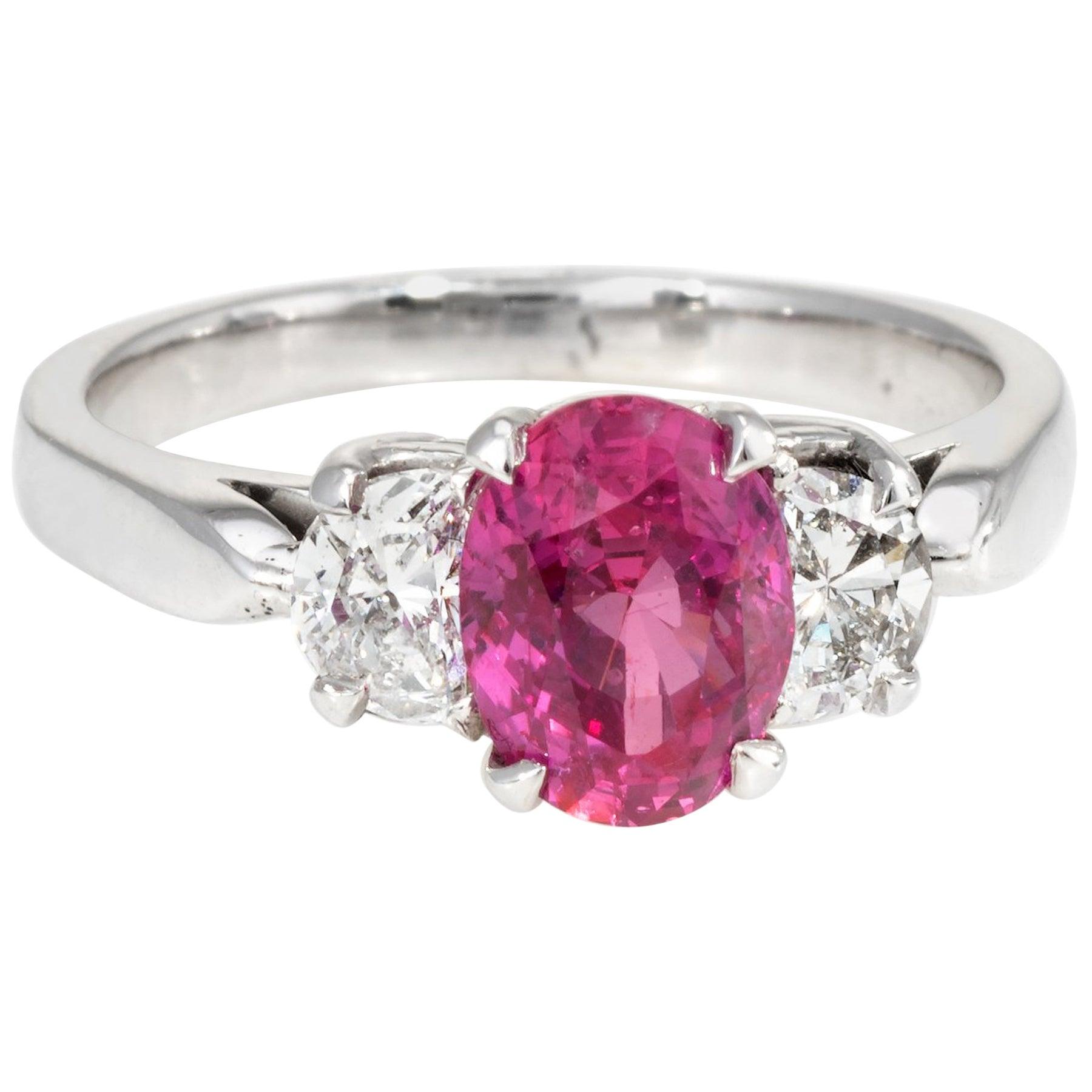 14 Karat White Gold Diamond Engagement Ring For Sale at 1stdibs