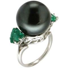 Tahiti Pearl 18 Carat White Gold 2.20 Carat Emeralds Cocktail Ring