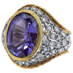 8.25 Carat Oval Tanzanite Round White Diamonds 18 Karat White Yellow Gold Ring