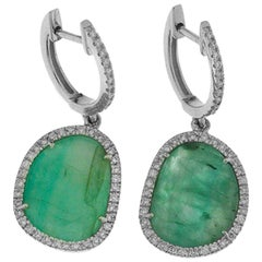 Emeralds and White Diamonds White Gold 18 Karat Chandelier Earrings