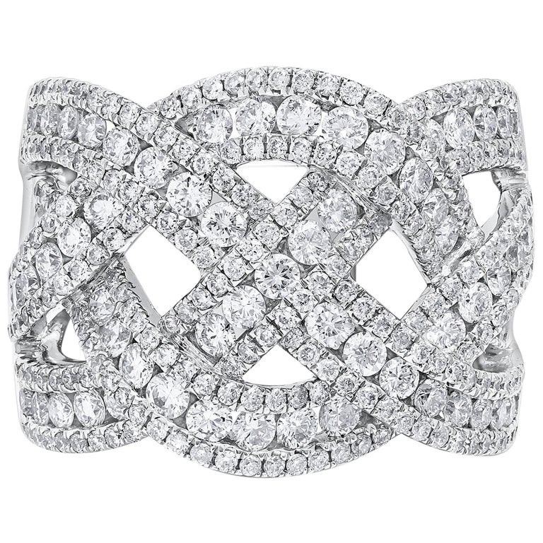 18 Karat White Gold and Diamond Intertwined Band Ring