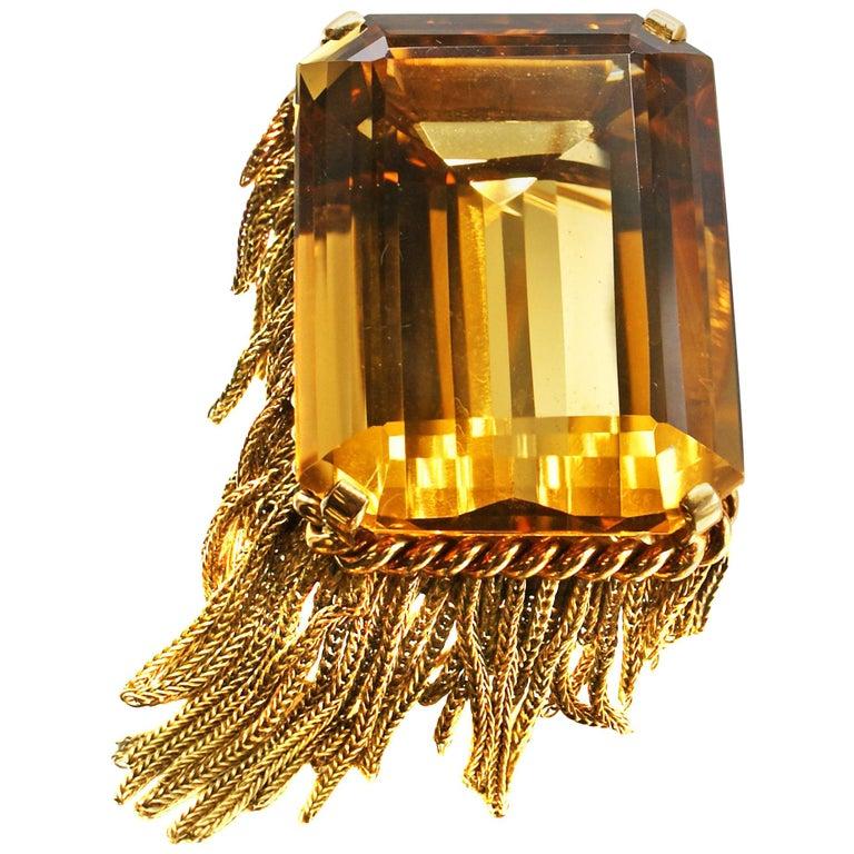 French Retro 90 Carat Golden Citrine 18 Karat Gold Brooch