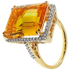 Chic 1960s Golden Citrine Diamond 18 Karat Yellow Gold Ring