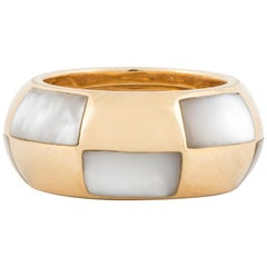 Mauboussin 18 Karat Inlay Mother of Pearl Ring