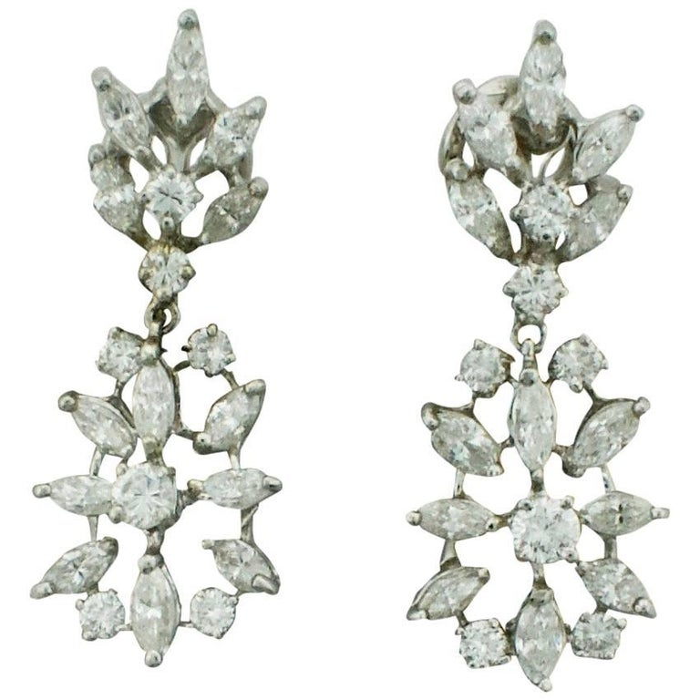 Dangling Diamond Earrings 2.90 Carat, circa 1950s