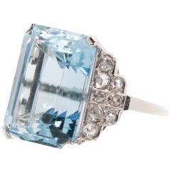 13.75 Carat Aquamarine and Rose Cut Diamonds 18 Karat White Gold Ring
