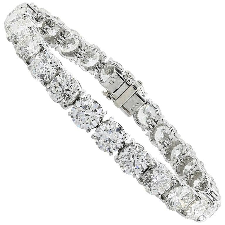14 Karat White Gold 9.52 Carat Diamond Tennis Bracelet For Sale
