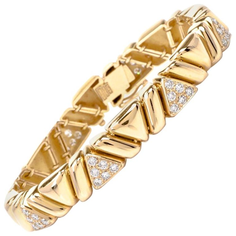 1980s Diamond 18 Karat Yellow Gold Line Bracelet