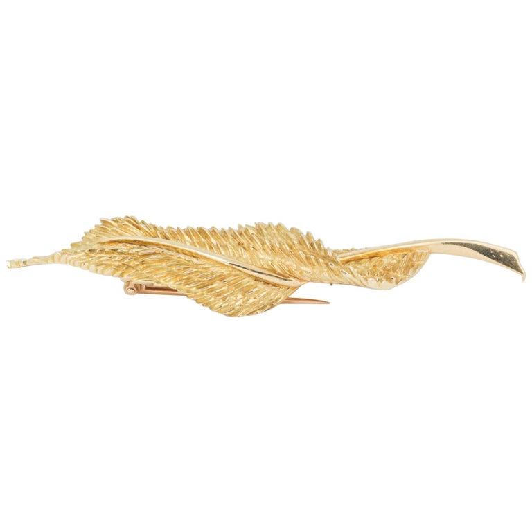 Brooch, 18 Carat Gold Curling Leaf, Maker Hermes Paris, circa 1950