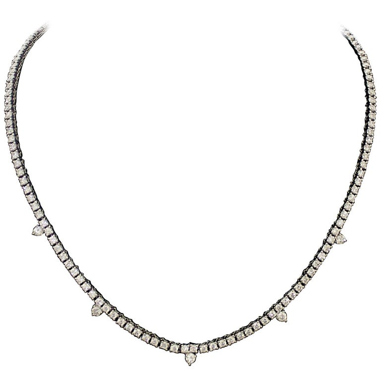 Diamond Straight Line Necklace in 18 Karat 7.61 Carat For Sale