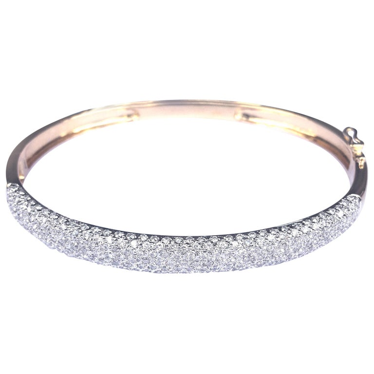 1.25 Carat Diamonds Pave 18 Karat Yellow Gold Bangle