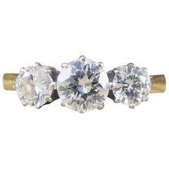 Diamond Three-Stone Ring in 18 Carat Gold, 1.00 Carat Total