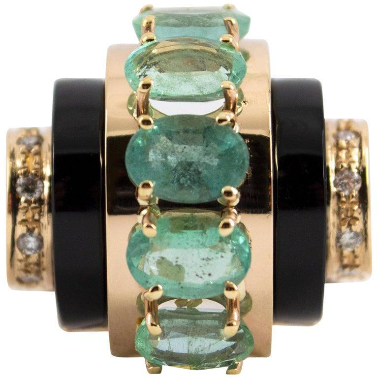 5.00 Carat Emerald 0.15 Carat White Diamond Onyx Yellow Gold Cocktail Ring