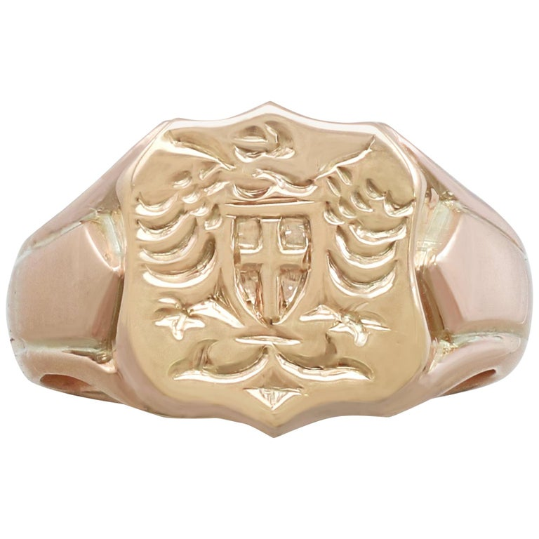 1915 Antique Yellow Gold Gent's Signet Ring For Sale