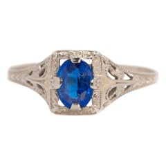 1920s Art Deco Blue Sapphire and 10 Karat White Gold Filigree Engagement Ring
