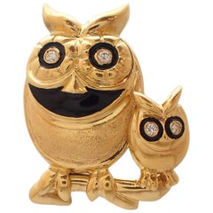 Big Owl / Little Owl Diamond and Enamel Pin in 18 Karat Yellow Gold