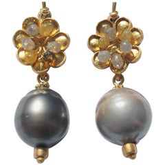 Solid 22 Karat Gold and Gray Tahitian Pearls Diamonds Contemporary Earrings