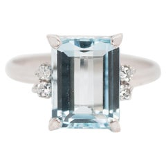 1950s 3 Carat Aquamarine and 0.10 Carat Diamond, 14 Karat White Gold Ring
