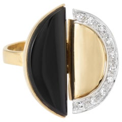 Vintage circa 1970s Onyx Diamond Cocktail Ring Vintage 18 Karat Yellow Gold