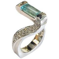 White Gold Ring with 1.37 Carat Aquamarine and Diamonds