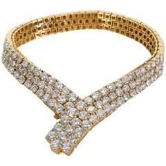 Estate Three-Row Diamond V Bracelet in 18 Karat Gold 10.00 Carat