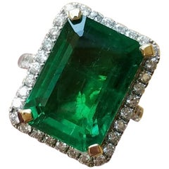 Certified 11.85 Carat Zambian Emerald and Diamond Cocktail Ring