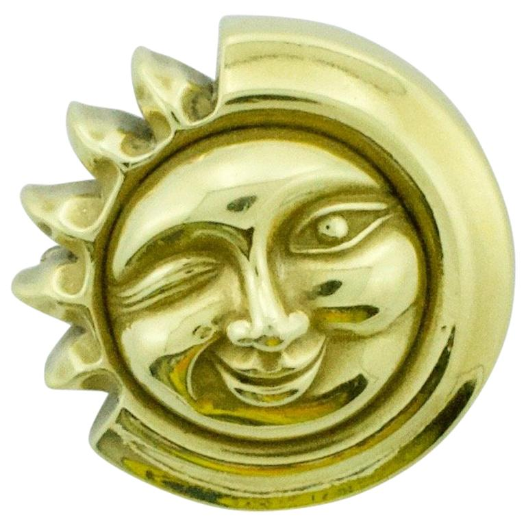 Kieselstein-Cord Man in the Moon Brooch in 18 Karat