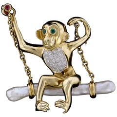18 Karat Yellow Gold Gem-Set and Pearl Monkey Pin