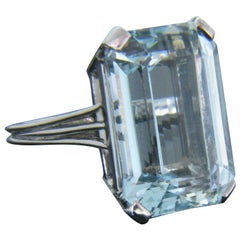 Vintage Rectangular Cut Natural Aquamarine White Gold Cocktail Ring