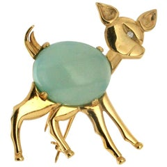 Fawn Gold Chalcedony Brooch