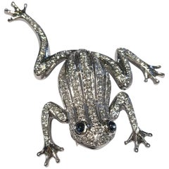18 Karat White Gold Diamond Frog with Sapphire Cabochon Eyes Moving Limbs Brooch