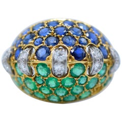 French, 1940s, Diamond, Emerald, Sapphire, Platinum and 18 Karat Gold Ring