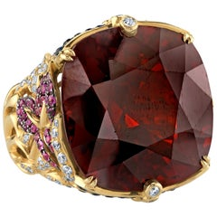 71.87 Carat Garnet & 2.06 Carats Sapphires &  1.21 Carat Diamonds 18k  Gold Ring