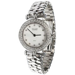 Van Cleef & Arpels Ladies white gold Diamond Bezel Classique quartz Wristwatch