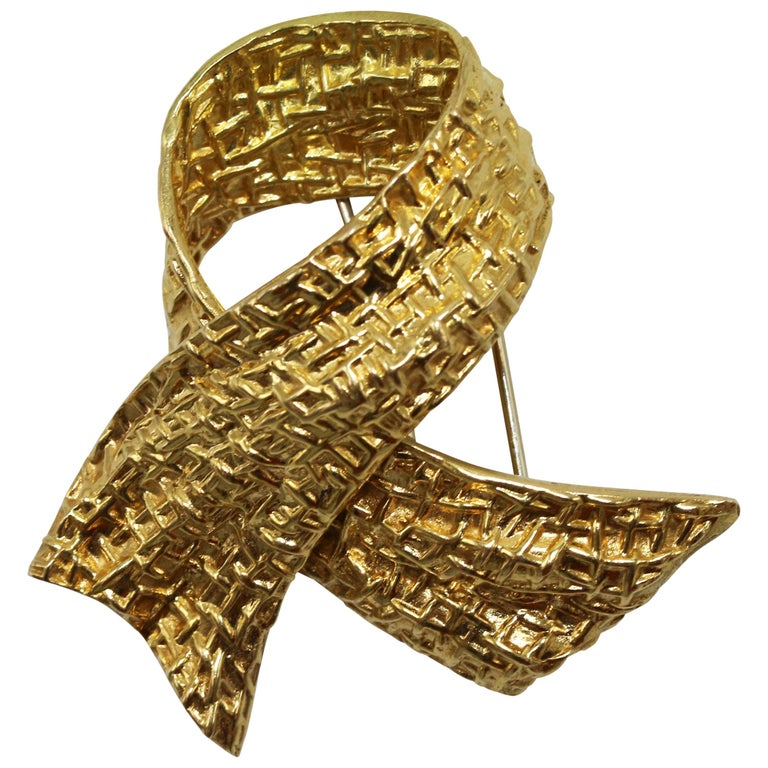 1970s Van Cleef & Arpels Gold Bow Brooch